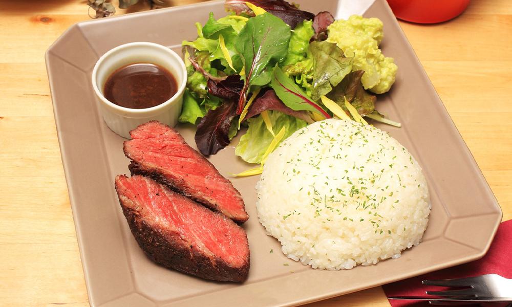 香草三元豬肉熔岩燒烤午餐